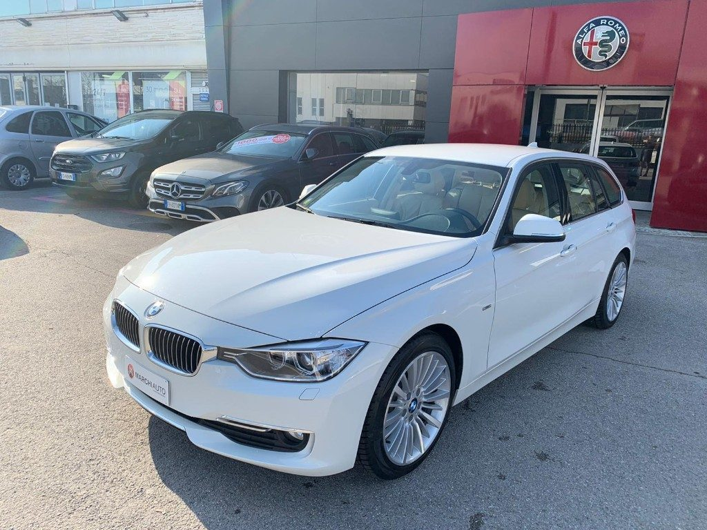 320 d Touring Luxury - Immagine 0
